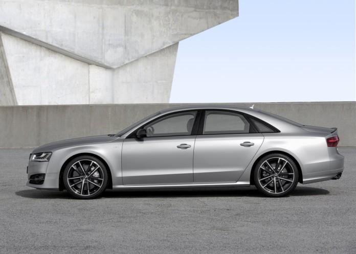 Audi-S8-Plus-2015-16