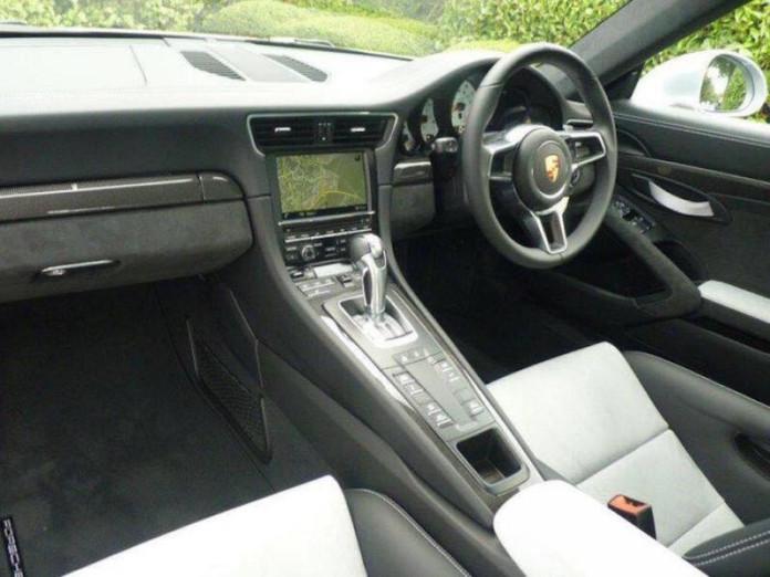 Porsche-911-GT3-RS-Dick-Lovett-004