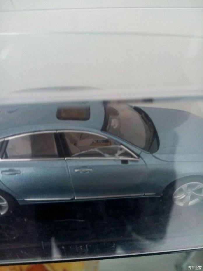 2016_Volvo_S90_scale_model_02