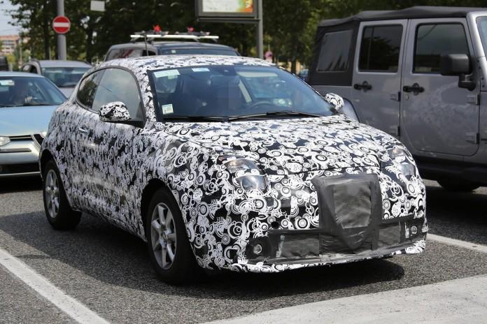 Alfa Romeo MiTo facelift 2016 spy photos (3)