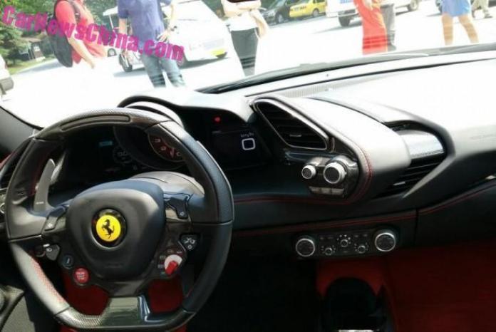Ferrari_488_Spider_04