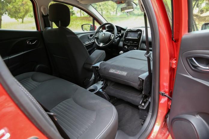 Renault-Clio-Estate-Test-Drive-37