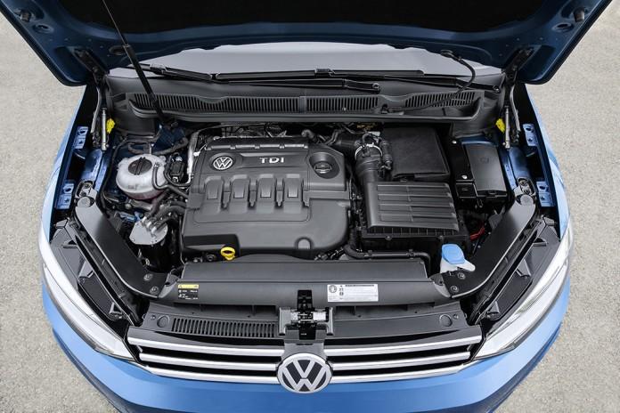 VW_Touran_2016_28