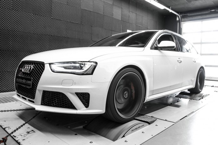 audi-rs4-gets-580-hp-thanks-to-whipple-kompressor-and-mcchip-photo-gallery_6
