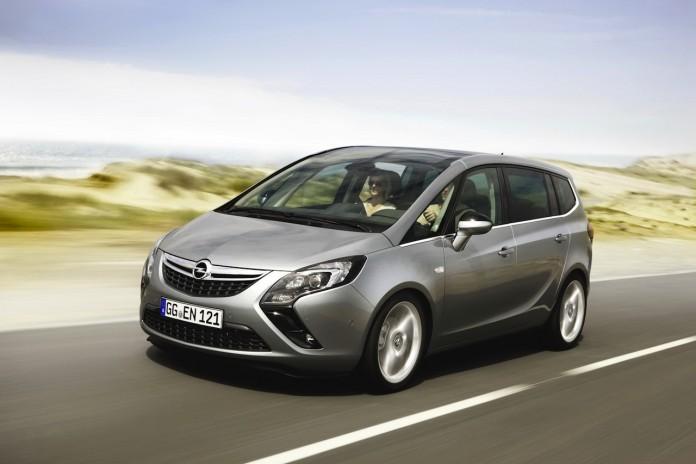 Opel_Zafira_2012_01