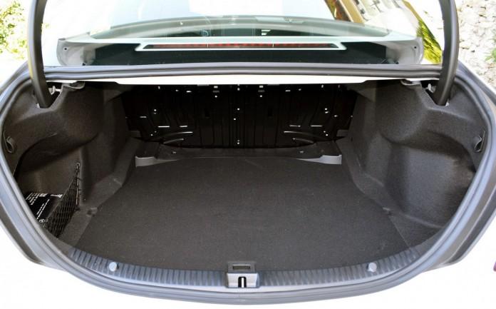 Mercedes-Benz C-Class C200 BlueTEC Test Drive (84)
