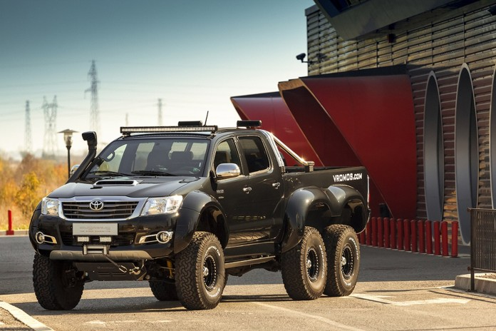 Toyota Hilux 6x6 by Overdrive 1