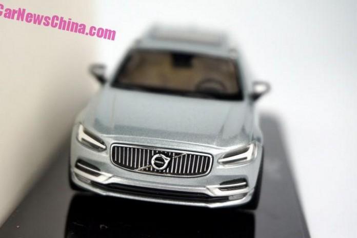 Volvo_V90_scale_model_03