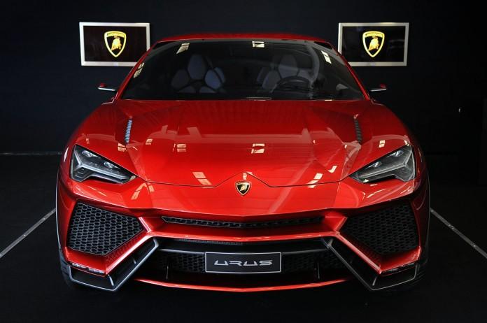 2017-Lamborghini-Urus-Front-Hood