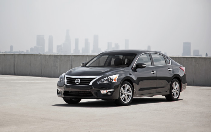 2014-Nissan-Altima-183795-1384533660