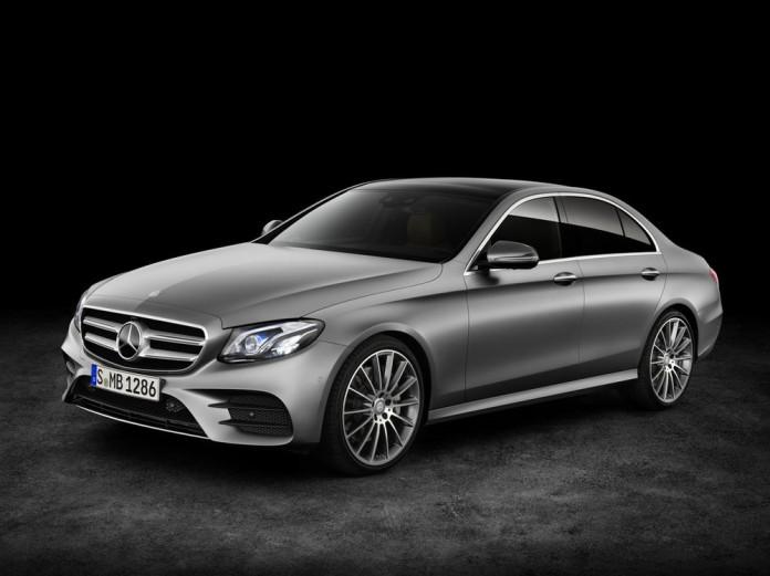 2017-Mercedes-E-Class-11
