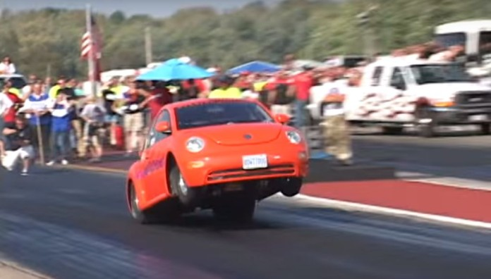 9s-big-block-vw-new-beetle-sips-nitrous-to-pull-wheelies-video-103634_1