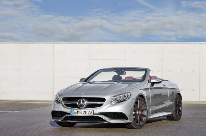 """Mercedes-AMG S 63 4MATIC Cabriolet """"Edition 130"""" (Fuel consumption combined: 10.4 l /100 km; combined CO2 emissions: 244 g/km; Kraftstoffverbrauch kombiniert: 10,4 l/100 km; CO2-Emissionen kombiniert: 244 g/km)Exterieur: AMG Alubeam silberexterior: AMG alubeam silver"""