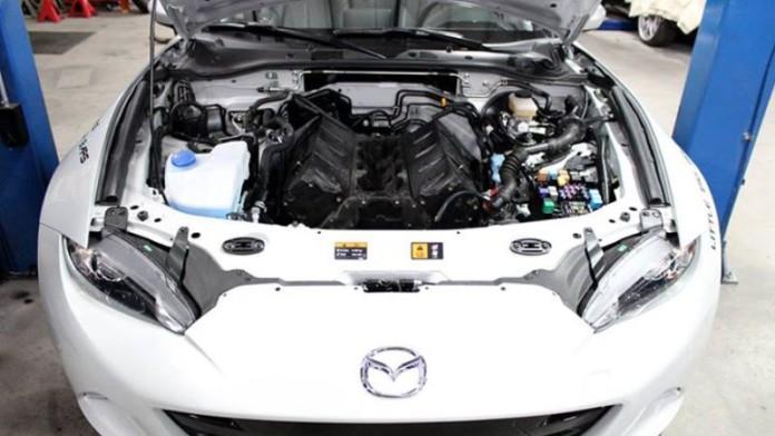 V8-Mazda-Miata