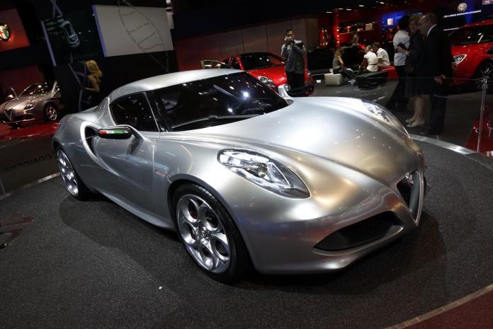 Alfa Romeo 4C Concept Live in IAA 2011