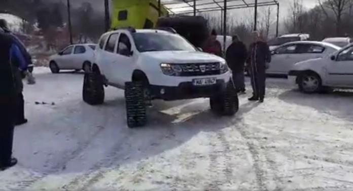 dacia-duster-gets-custom-triangular-tracks-for-wheels-seems-to-enjoy-them-103967_1