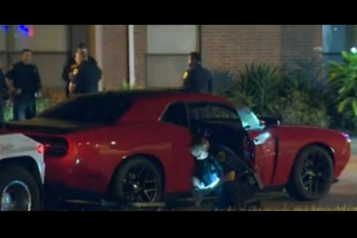 salesman-stuffed-in-trunk-during-test-drive-escapes-and-fights-back-dodge-challenger-s