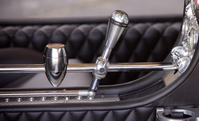 2010-spyker-c8-aileron-shift-lever-photo-299816-s-1280x782