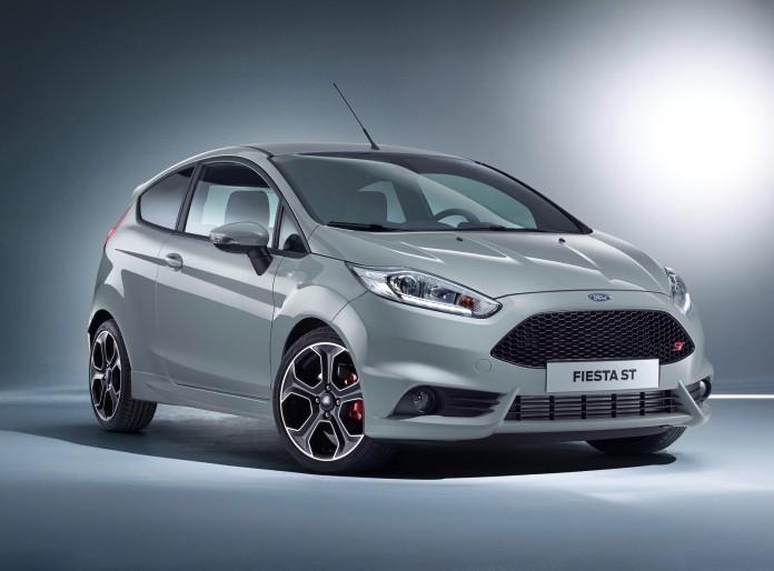 Ford_Fiesta_ST200_01