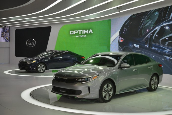 Kia Optima Hybrid and Optima Plug-in Hybrid 2017 (16)
