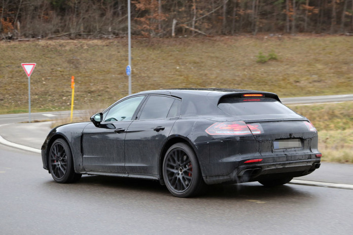 Porsche Panamera Shooting Brake spy photos (12)