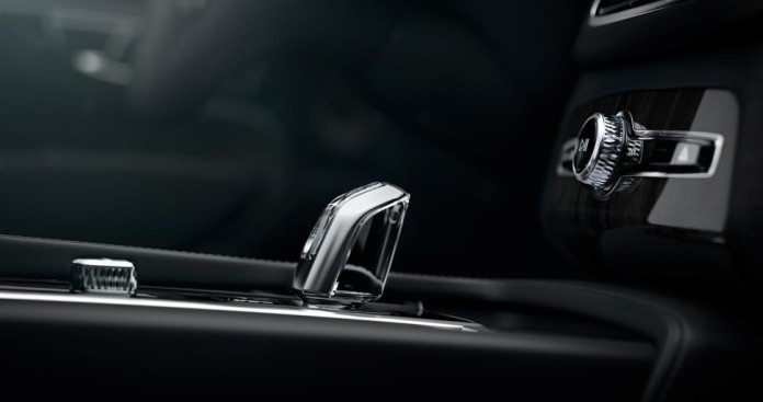 Volvo XC90 Orrefors shifter 1