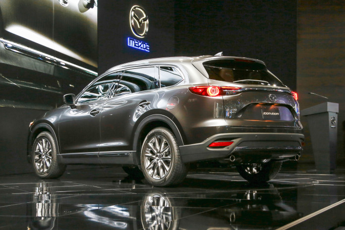 2016-Mazda-CX-9-rear-three-quarters