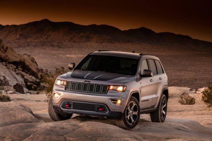2017_Jeep_Grand_Cherokee_Trailhawk_03
