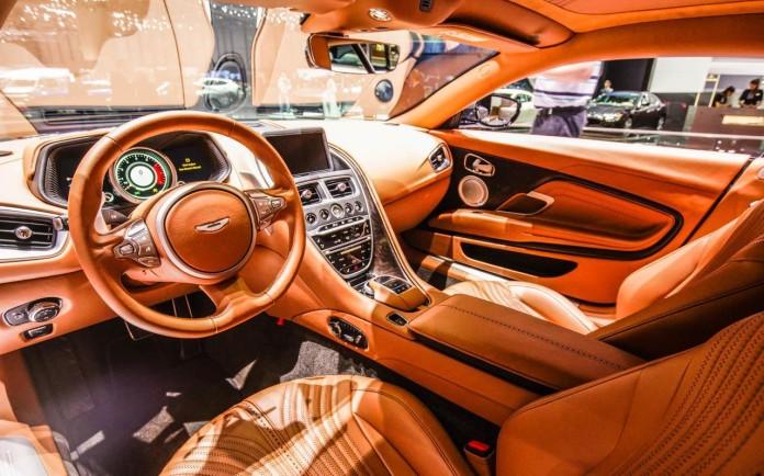 Aston-Martin-DB11-014