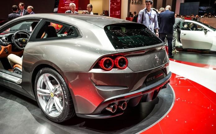 Ferrari-GTC4Lusso-002