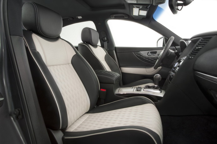 The 2017 Infiniti QX70 Limited offers a range of premium exterior and interior treatments, adding an extra touch of exclusivity to the dramatically styled crossover.
