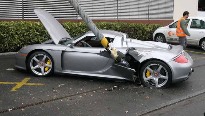 Porsche Carrera GT crash