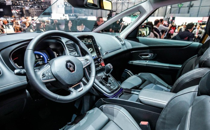 Renault-Scenic-012