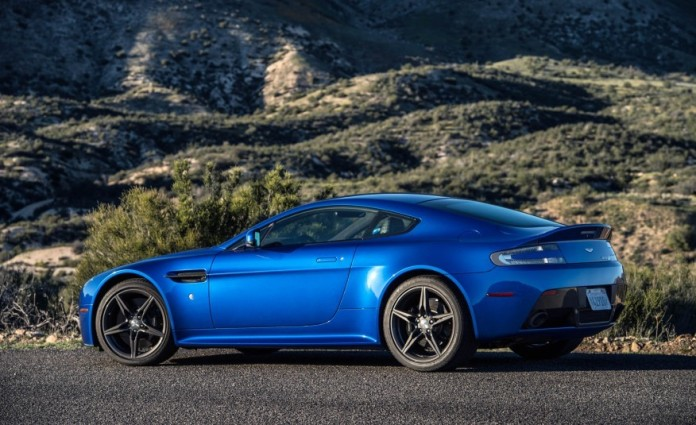 Aston Martin V8 Vantage GTS 10