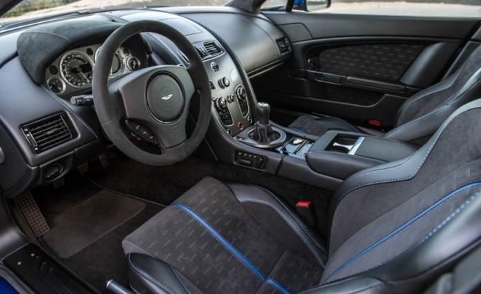 Aston Martin V8 Vantage GTS 18