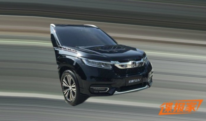 Honda UR-V 2016 (2)