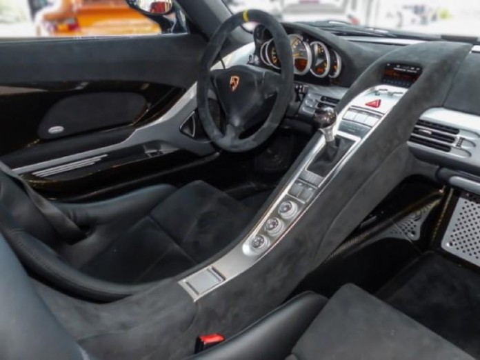 Porsche_Carrera_GT_big_mileage_02