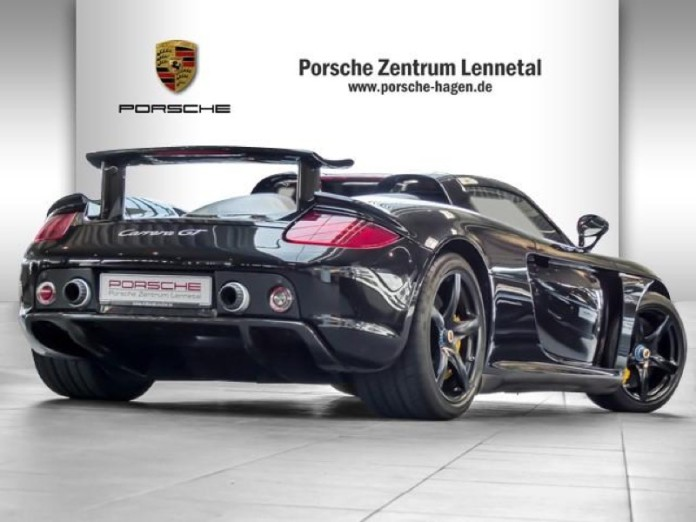 Porsche_Carrera_GT_big_mileage_03