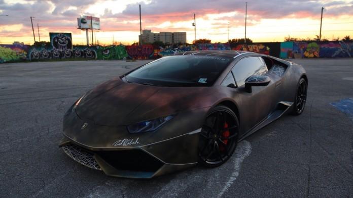 Spray_painted_Lamborghini_Huracan_05