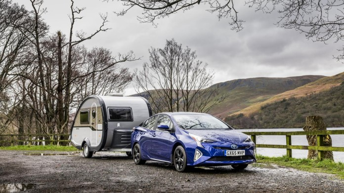 Toyota Prius now capable of towing trailer (1)