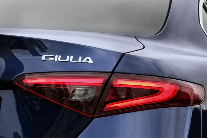 Alfa Romeo Giulia 2016 (22)