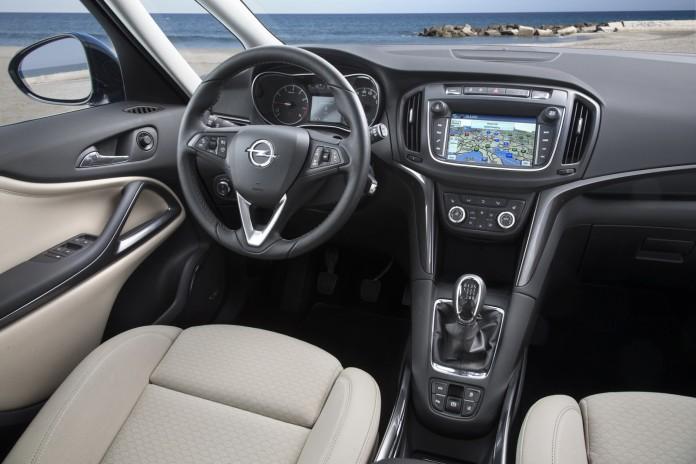 Opel Zafira Facelift 2017 (6)
