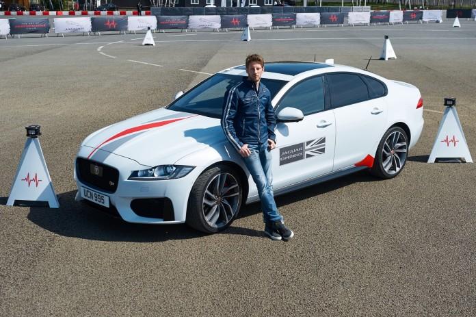 Romain Grosjean Jaguar XF (10)