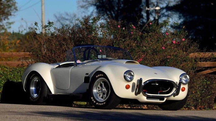 pair-of-shelby-427-cobra-roadsters-each-sell-for-1m