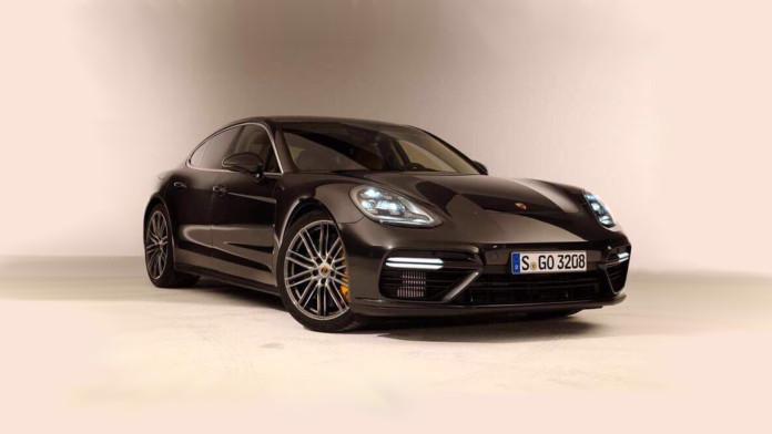 2017_Porsche_Panamera_leaked06