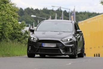 Ford Focus RS500 Spy photos (1)
