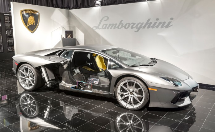 Lamborghini Advanced Composite Structures Laboratory (2)