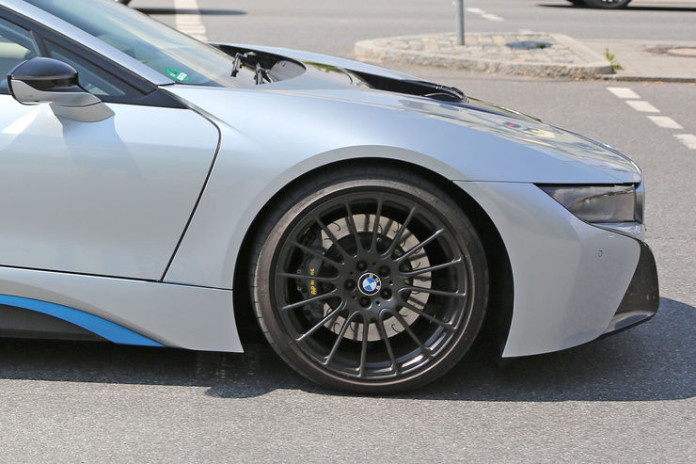 Spy_Photos_BMW_i8_facelift_10
