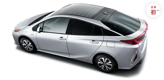 Toyota Prius Plug-in Hybrid solar roof (2)