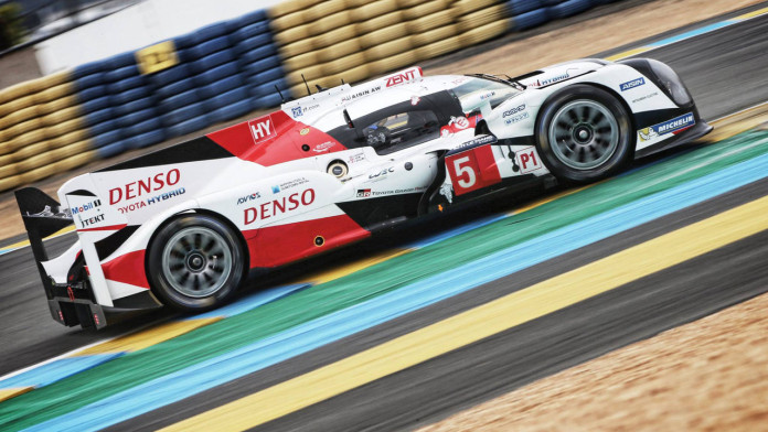 toyota-ts050-le-mans-racing-car